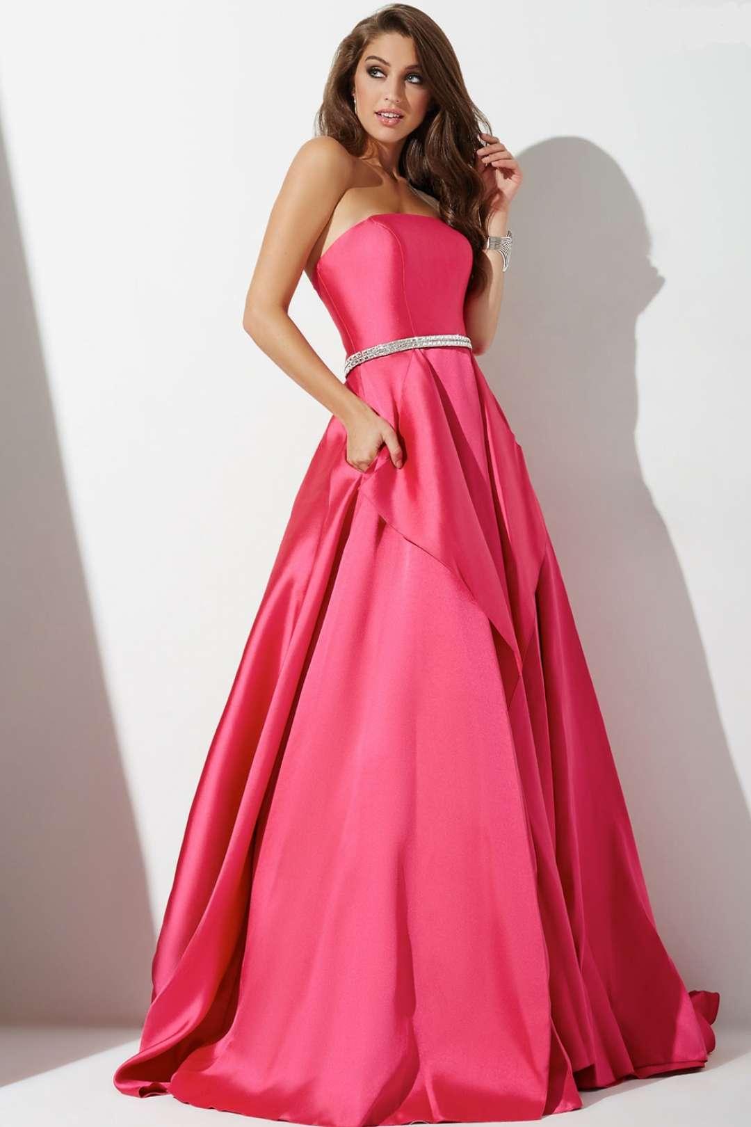 بالصور احدث موديلات الفساتين , صيحات الموضه في الفساتين 3132 3