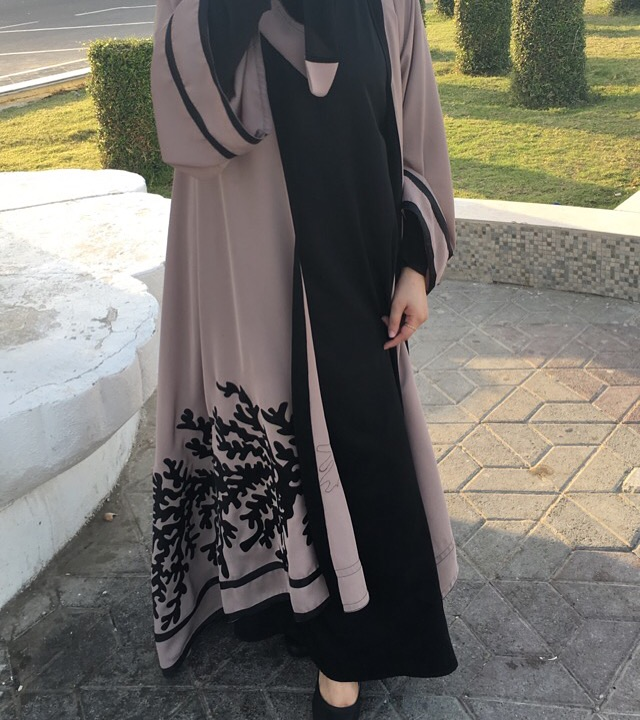 بالصور عبايات اماراتية , ملابس نساء اماراتيه رائعه 4288 7