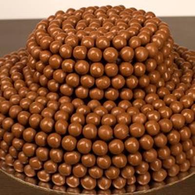 صورة طريقة تزيين كيكة الشوكولاته , اجمل الطرق لتزيين كيك الشوكولاته