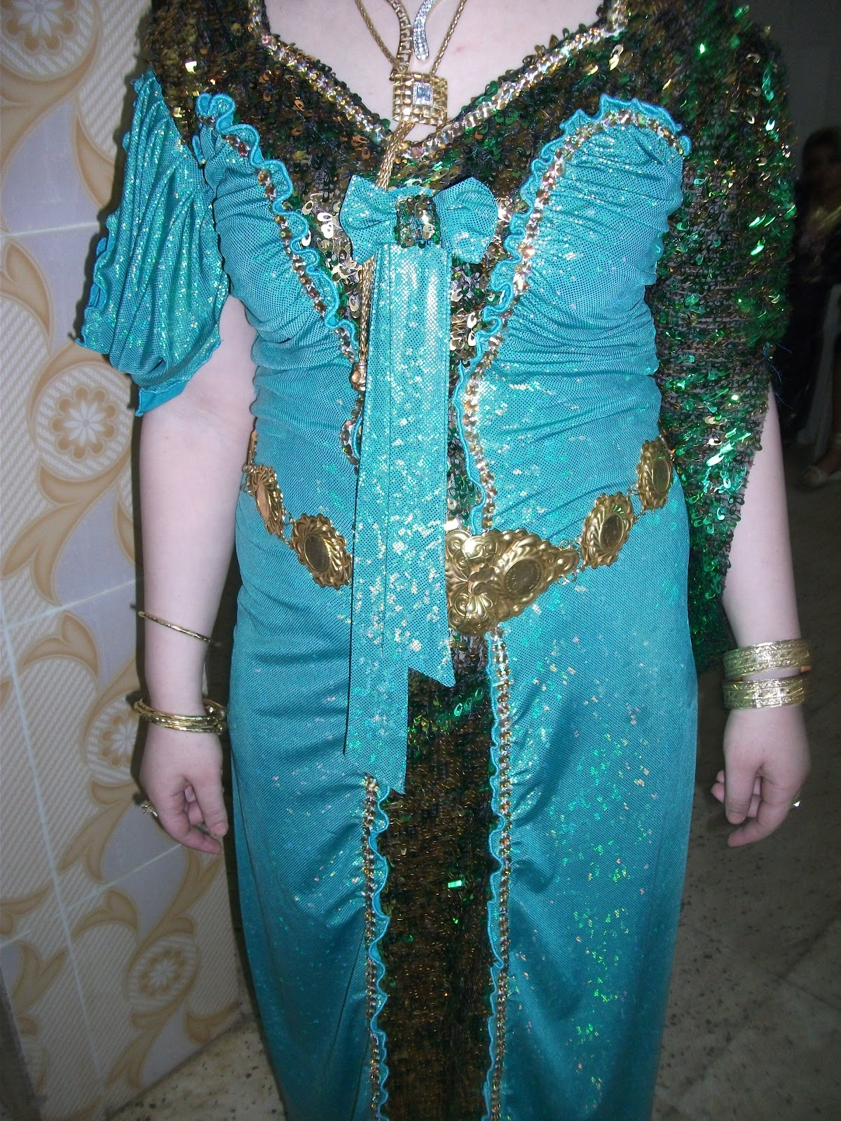 بالصور قنادر الاعراس بالدونتال , اشيك قنادر للعروسه بالدونتال 3474 1