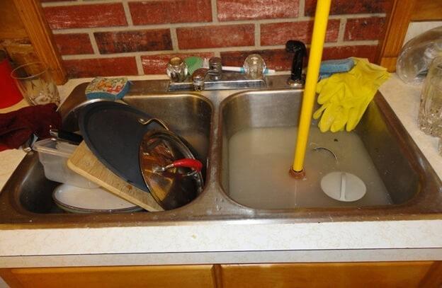 صورة طريقة فتح مجاري المطبخ , اسهل الطرق لتسليك مواسير المطبخ المسدوده