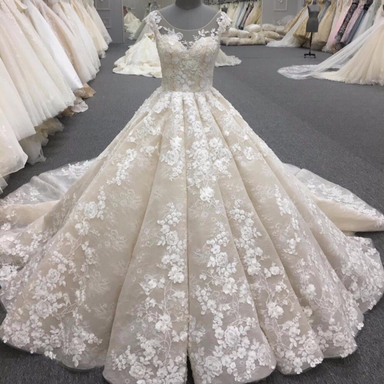 صورة فساتين زفاف فخمه , احدث موديلات فساتين زفاف للعروس