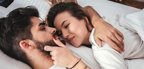 صورة كيف تجعلين زوجك يحبك , نصائح للزوجه لكسب حب زوجها لها