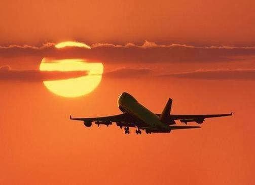 صورة صورعن السفر بطياره , السفر بالطياره و مميزاته